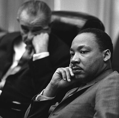 402px-martin_luther_king2c_jr-_and_lyndon_johnson-3672577-7131470