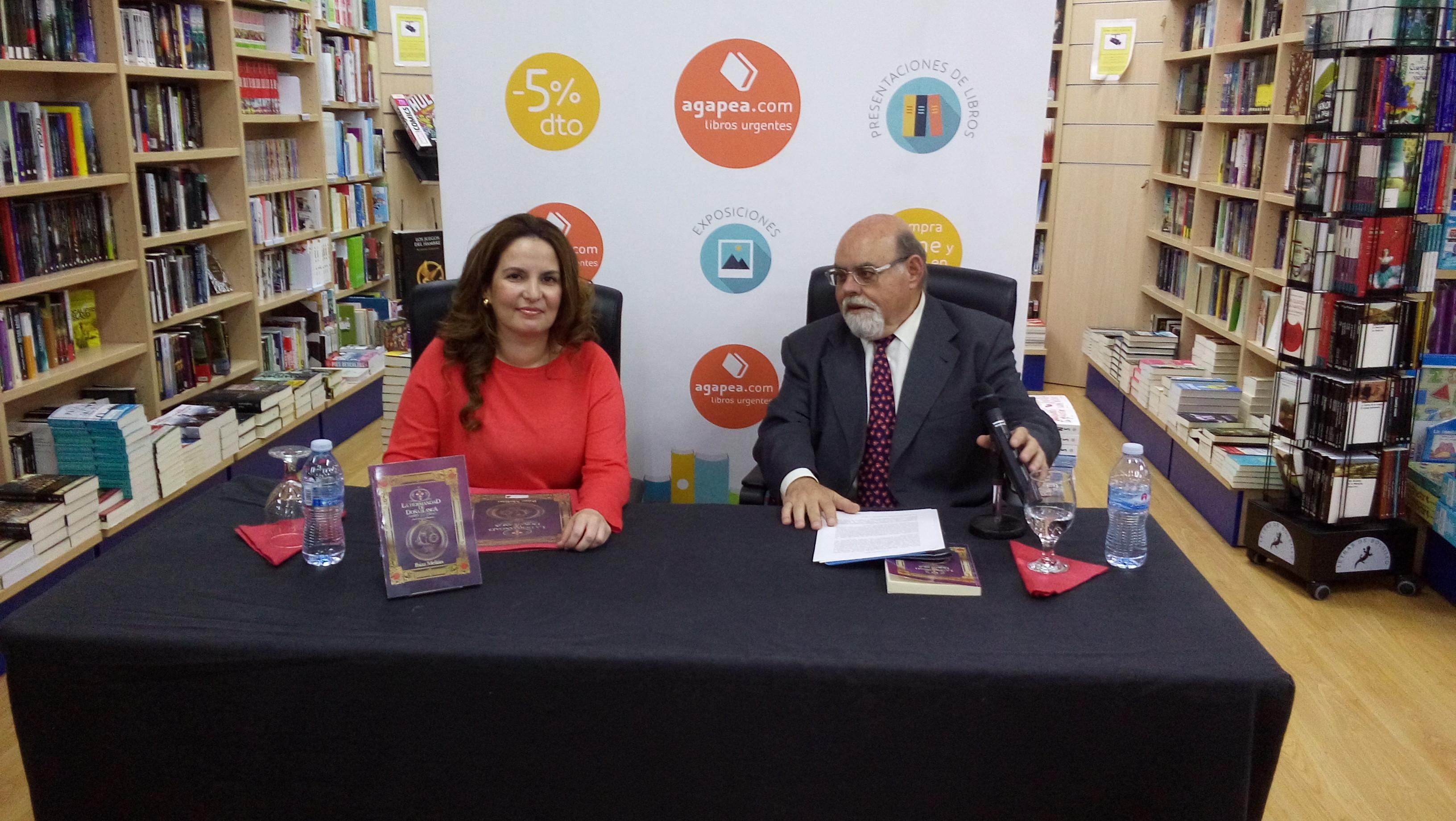 Presentación de La Hermandad de Doña Blanca en la librería Agapea de Santa Cruz de Tenerife (17.6.2016)