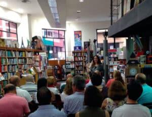 Entrevista a la escritora Ibiza Melián en el Blog de Alcides Manrique - IV